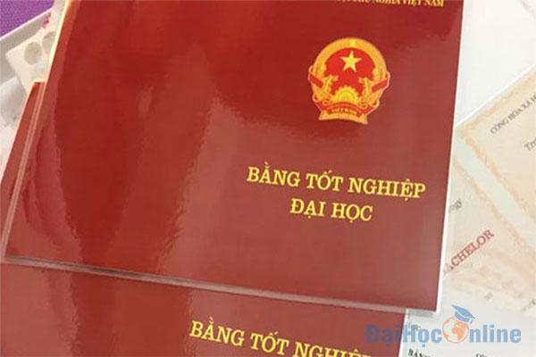 bang-dai-hoc-tu-xa-co-xin-duoc-viec-khong