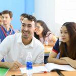 Đại học từ xa ngành ngôn ngữ Anh là gì? Có nên học không?