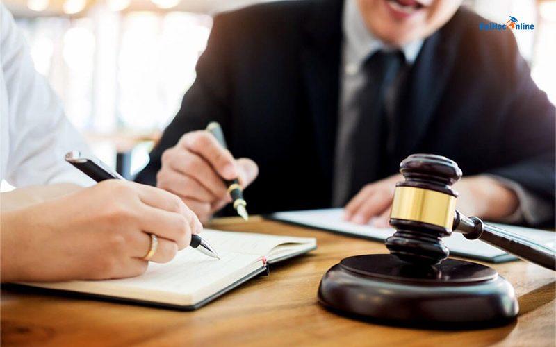 Ngành Luật ra trường làm gì?