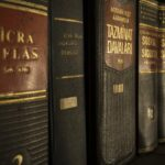 Ngành luật kinh tế là gì ? Có nên học không ?