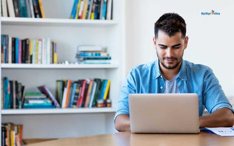 Điều kiện để học đại học trực tuyến