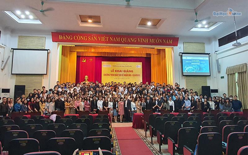 Lễ khai giảng cử nhân trực tuyến Đại học Kinh tế quốc dân 21-03-2021