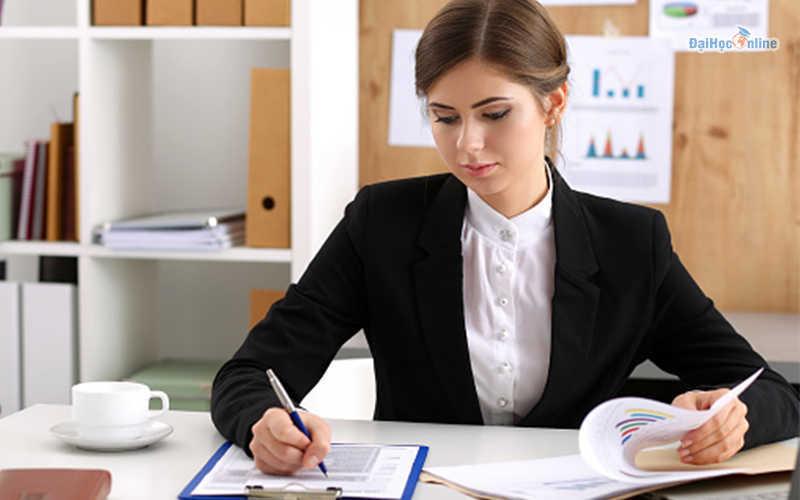 Tại sao nên học ngành kế toán
