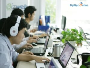 Học thương mại điện tử ra làm gì?